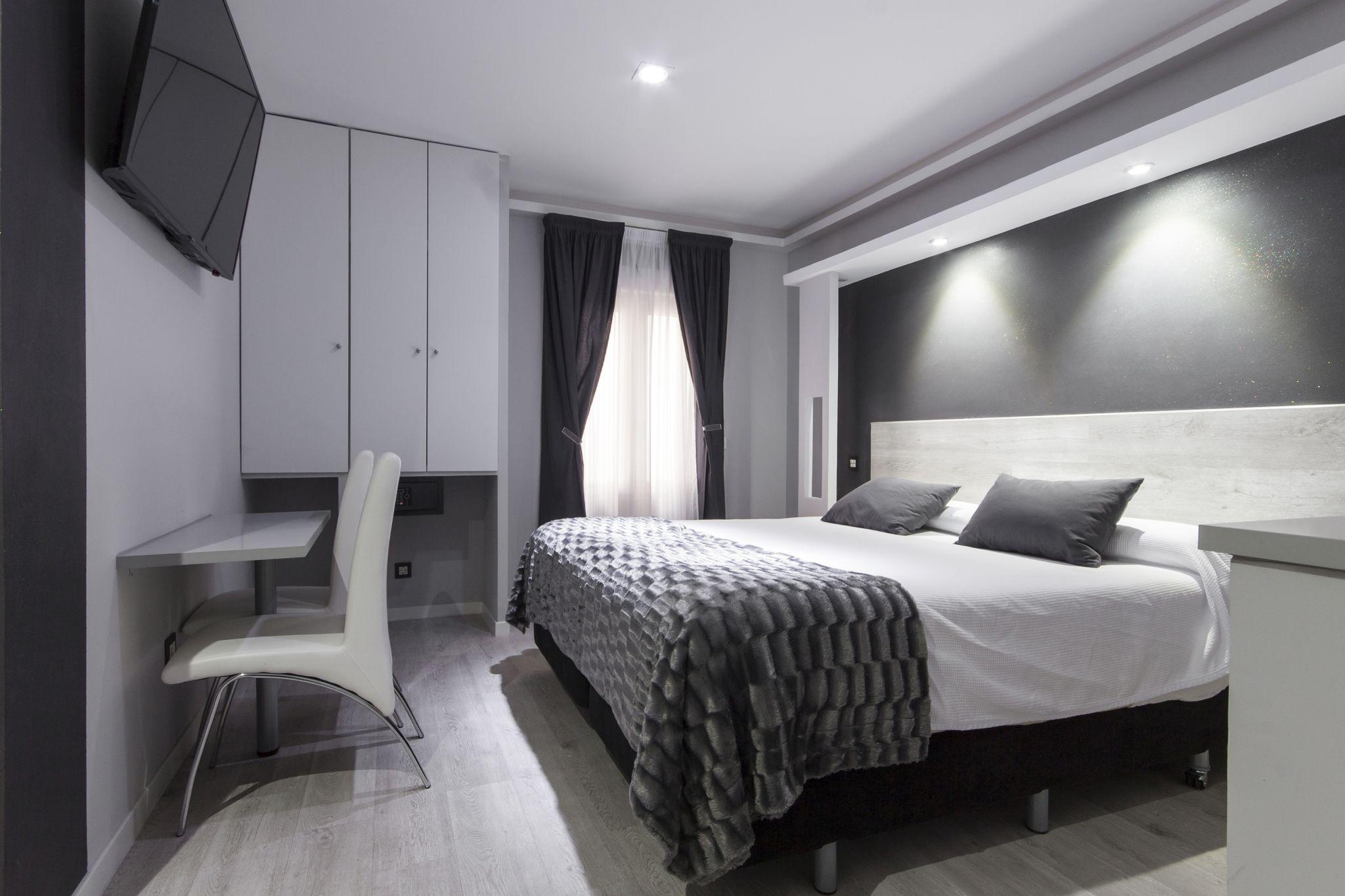 Habitación doble Hostal Overnight Madrid