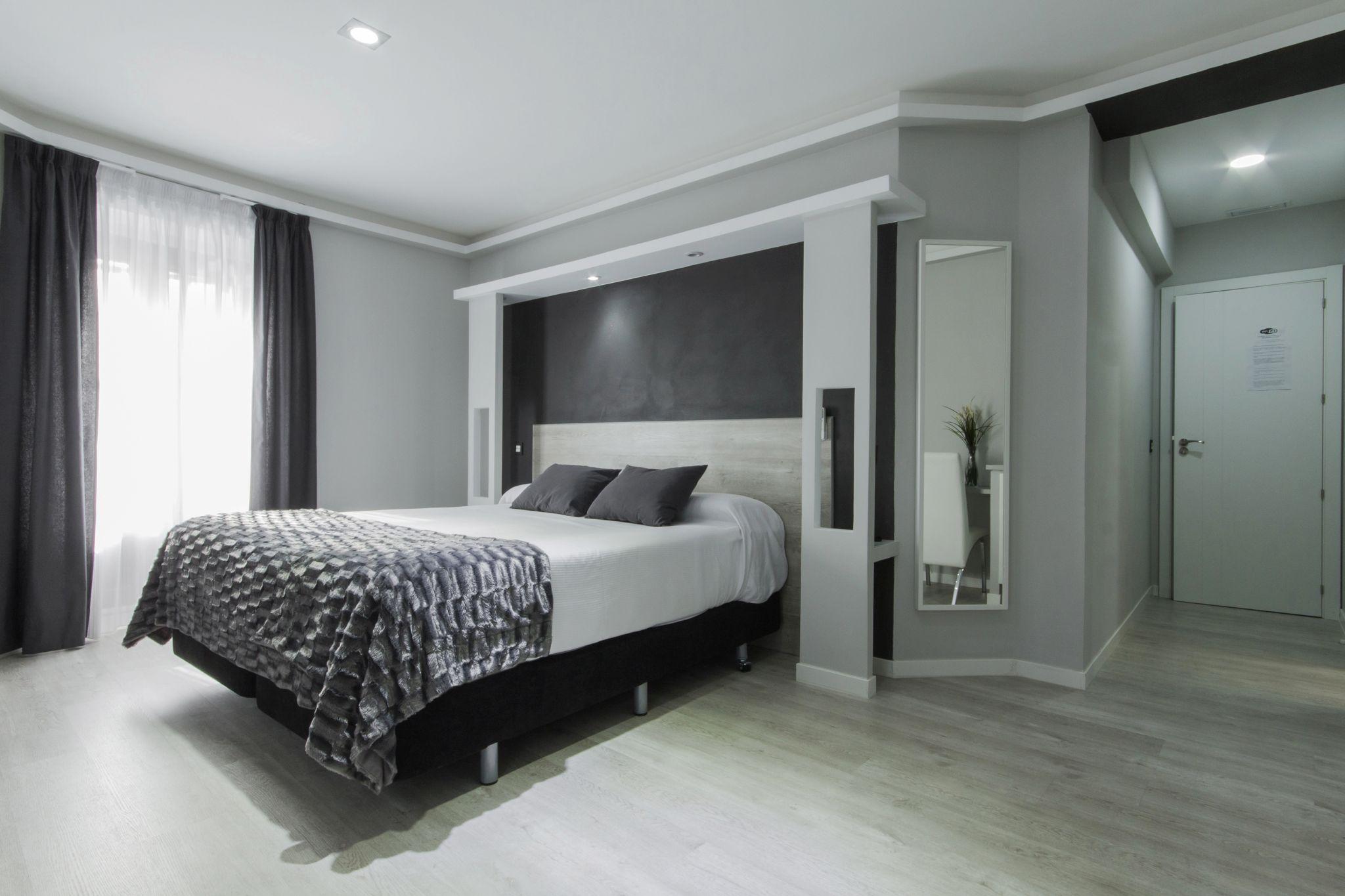 Suite con Balcón Hostal Overnight Madrid